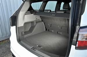 Ford Kuga Dimensions : ford kuga interior autocar ~ Medecine-chirurgie-esthetiques.com Avis de Voitures