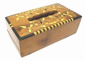 Boite A Mouchoir En Bois : boite mouchoirs en bois de thuya avec d corations florales objet de d coration ou oeuvre ~ Teatrodelosmanantiales.com Idées de Décoration