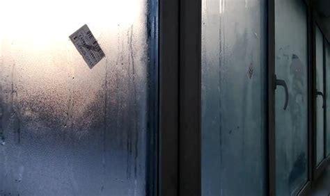 Почему потеют пластиковые окна изнутри в квартире причины и способы решения проблемы