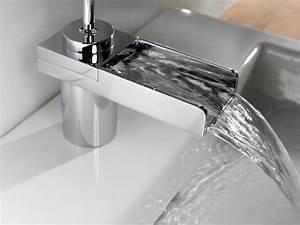 smart tiles chez leroy merlin maison design bahbecom With carrelage adhesif salle de bain avec ampoule led pas cher e27