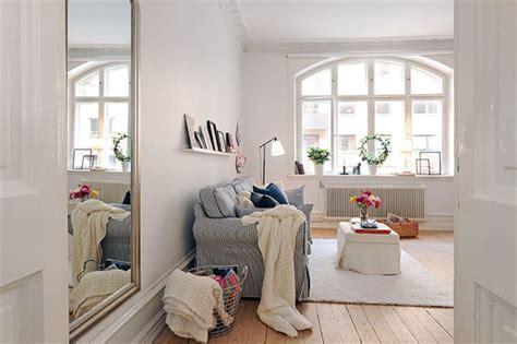 Beautiful Contemporary Feminine Apartment by Beautiful Apartment With A Feminine Appeal Futura Home