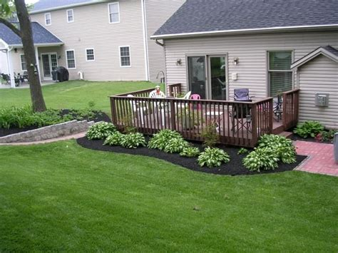 25 best ideas about landscaping around deck on