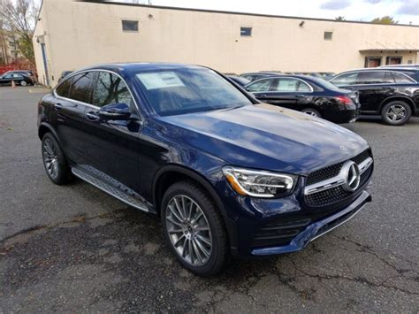 It is available in 7 colors, 4 variants, 2 engine, and 1 transmissions option: New 2021 Mercedes-Benz GLC 300 4MATIC Coupe SUV | Lunar ...