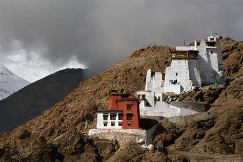 photo incredible himalayas cham dance monastery