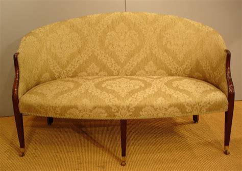 Georgian settee / Small antique mahogany sofa : Antique