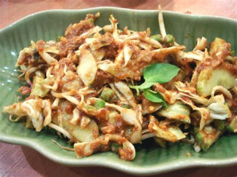 Selain menciptakan perpaduan rasa yang pas dengan tempe penyet, sambal kencur ini juga cocok disandingkan dengan menu ikan bakar. Resep Karedok - Masakan Tradisional Khas Sunda   Aneka ...