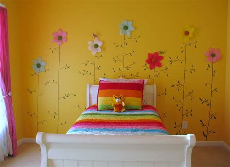 Ideas For Small Bedrooms - loveyourroom little girls yellow flower bedroom