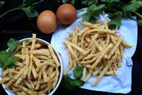 Resep dan cara memasak stik bawang yang empuk, renyah, dan gurih. Ladrang Stik Bawang Renyah, Bikin Nggak Bisa Berhenti Ngemil - Resep Kekinian