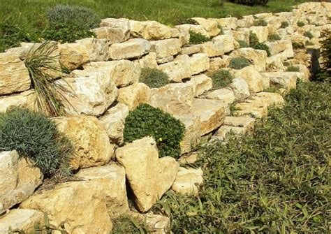 Palisaden Aus Holz Eine Alternative Zur Steinmauer by Hangmauern Terrassierung