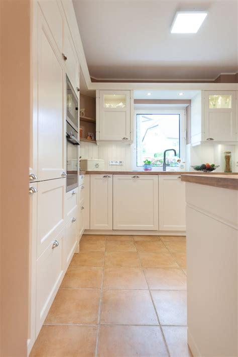 Moderne Landhausküche In Weiß Von Häcker Küchen Mit