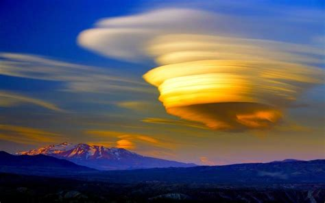 Miraculously Awesome Rare Natural Phenomena That Occur