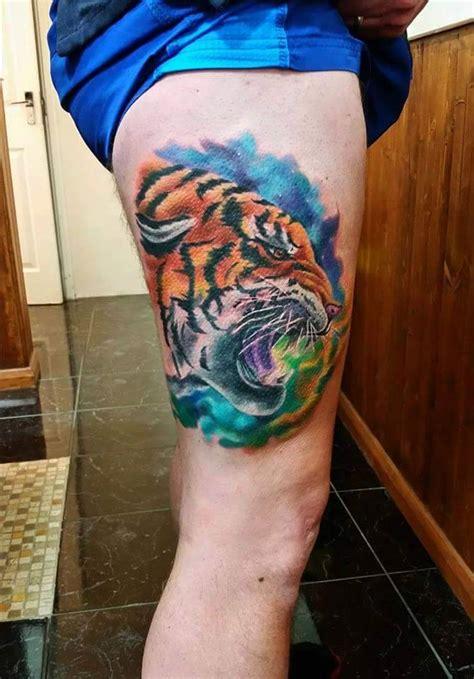 Rose Tattoos On The Leg
