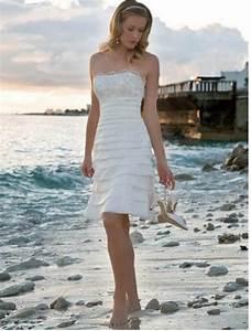 Short beach wedding dress sangmaestro for Short white beach wedding dresses
