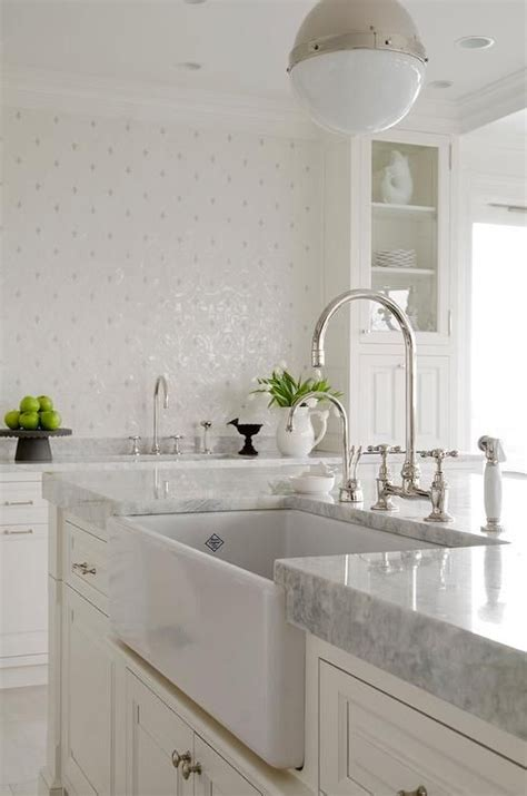 Best 25+ Carrara Marble Kitchen Ideas On Pinterest  White