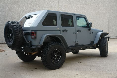 back of a jeep 2007 jeep wrangler bently grey kevlar with slant back top