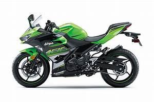 Kawasaki Ninja 400 : 2018 kawasaki ninja 400 images features tech specs and all you need to know motoroids ~ Maxctalentgroup.com Avis de Voitures