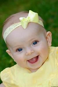 Photo De Bébé Fille : b b mignon fille au yeux bleu b b et d coration ~ Melissatoandfro.com Idées de Décoration