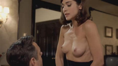 lizzy caplan nude pics and videos that you must see in 2017