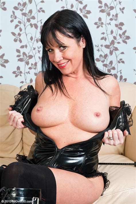 AllOver30Free.com- Hot Older Women - 40 Year Old Elise ...