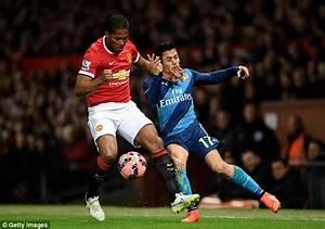Antonio Valencia apologises to Manchester United team ...