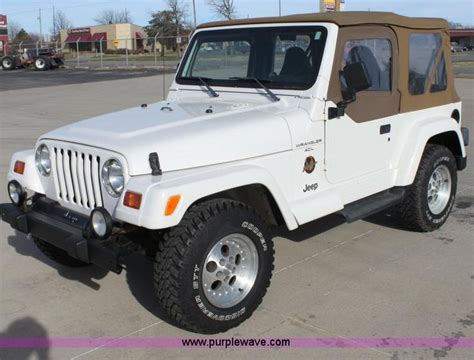 Gas Mileage Jeep Wrangler by 17 Best Ideas About Jeep Wrangler Gas Mileage On