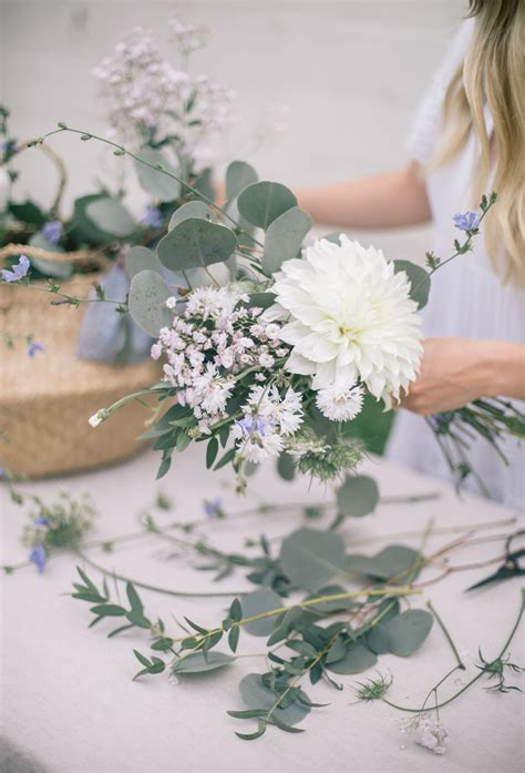 How To Make A Hand Tied Garden Inspired Flower Bouquet