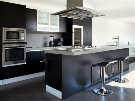 cuisine noir et gris cuisine élégance par excellence