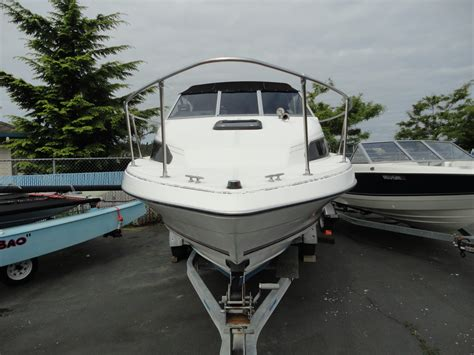 Pictures Of Cuddy Cabin Boats by 1993 Used Bayliner 2252 Bayliner Classic Cuddy Cabin Boat