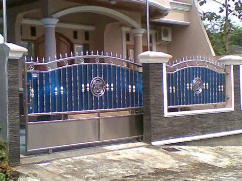 desain pagar rumah minimalis kayu  besi pintu