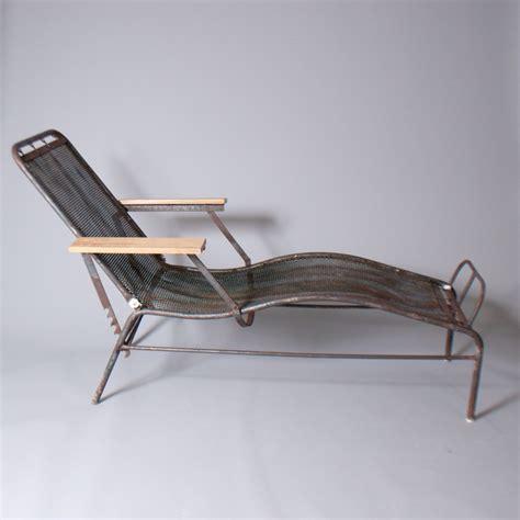 chaise de jean prouvé chaise longue sanatorium martel de janville jean