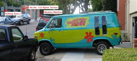 front house mystery machine