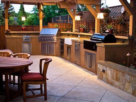 outdoor kitchen pictures design ideas outdoor kitchen design ideas pictures hgtv 7242