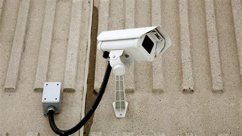 Telecamere Nascoste In Da Letto by Installare Telecamere Nascoste Finte O Collegate In Rete