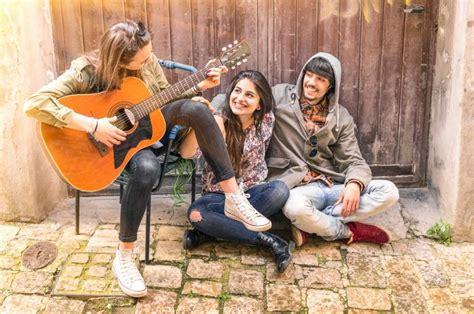 Teen Friends Play Vibrator