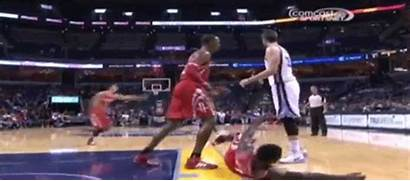 Howard Gasol Dwight Marc Exchanging Shoves Separated