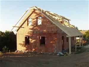 Stavba dřevěného venkovského domu