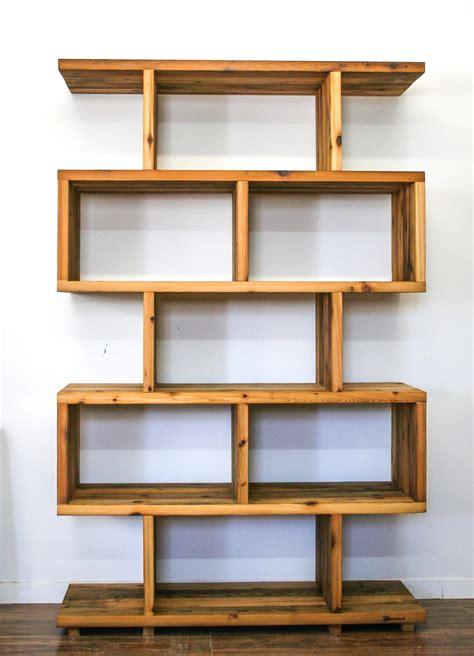 bibliotheque caisson en bois de grange idee deco maison