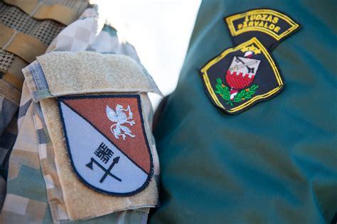 Foto: bruņotie spēki sniedz atbalstu robežu kontroles ...