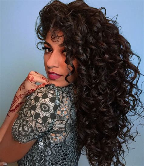 styling naturally curly hair this is how ayesha styles naturally wavy hair 1794