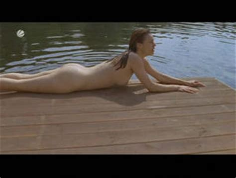 Crowley nackt Suzan  Filmfutter