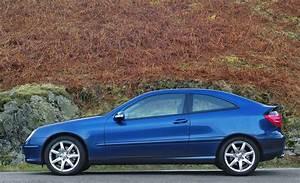 Mercedes Classe C Coupé : mercedes benz c class sports coup review 2001 2008 parkers ~ Medecine-chirurgie-esthetiques.com Avis de Voitures