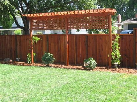 Backyard Privacy Screens Trellis by Fence Trellis Privacy Screen When You Live To Your