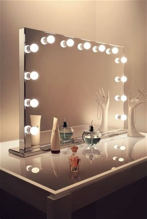 Makeup Vanity Table With Lights And Mirror by 25 Best Ideas About Makeup Table With Lights On