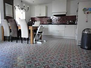 Fliesen Für Küche : wundersch n fliesen f r k che landhausstil dekoration mit marokkanische stil bodenfliesen k che ~ Orissabook.com Haus und Dekorationen