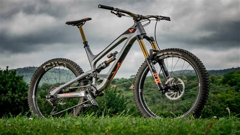 Yt Capra Cf Pro Race Review