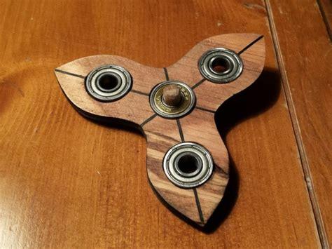 fidget spinner holz fidget spinner selber basteln 5 originelle und einfache diy ideen
