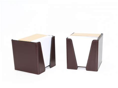 bureau de post cube à post it en cuir gris accessoire de bureau