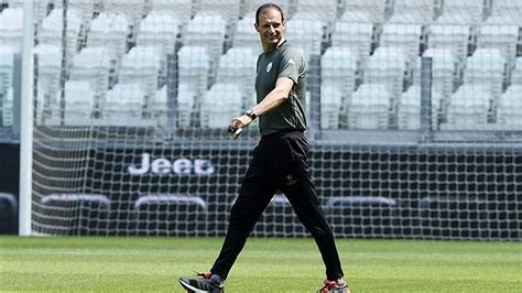 si鑒e social allianz allenamento all 39 allianz stadium allegri tira mandzukic para juventus 24