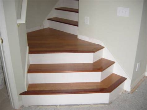 Dustless refinishing Hardwood Floors in Skokie,Chicago