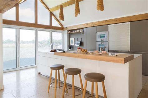 am 233 nager 224 la maison une cuisine moderne au design sobre et 233 l 233 gant design feria